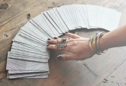 reading-tarot-cards-2